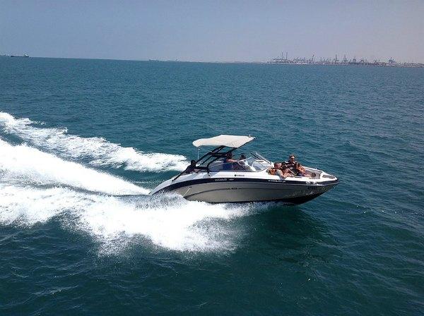 סירות מנוע מהירות